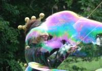 schillernde Riesenseifenblasen