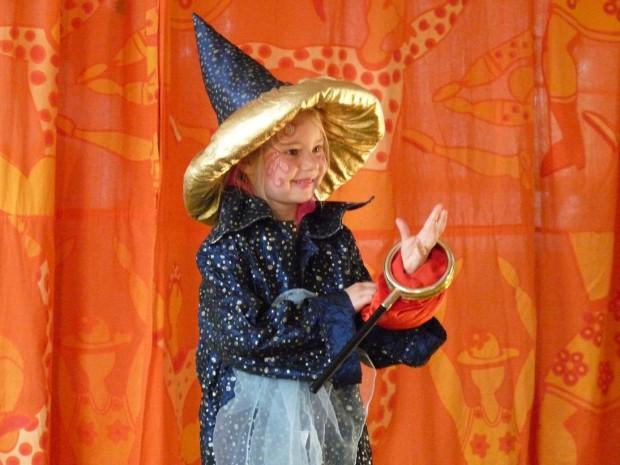 Zauberer im Geburtstagszirkus