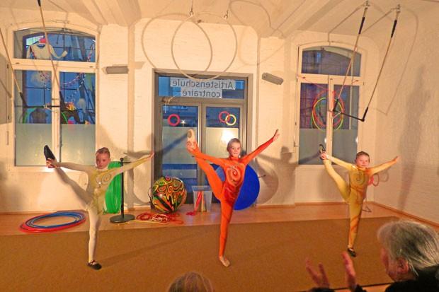 Akrobatik Jil, Fiona und Annika